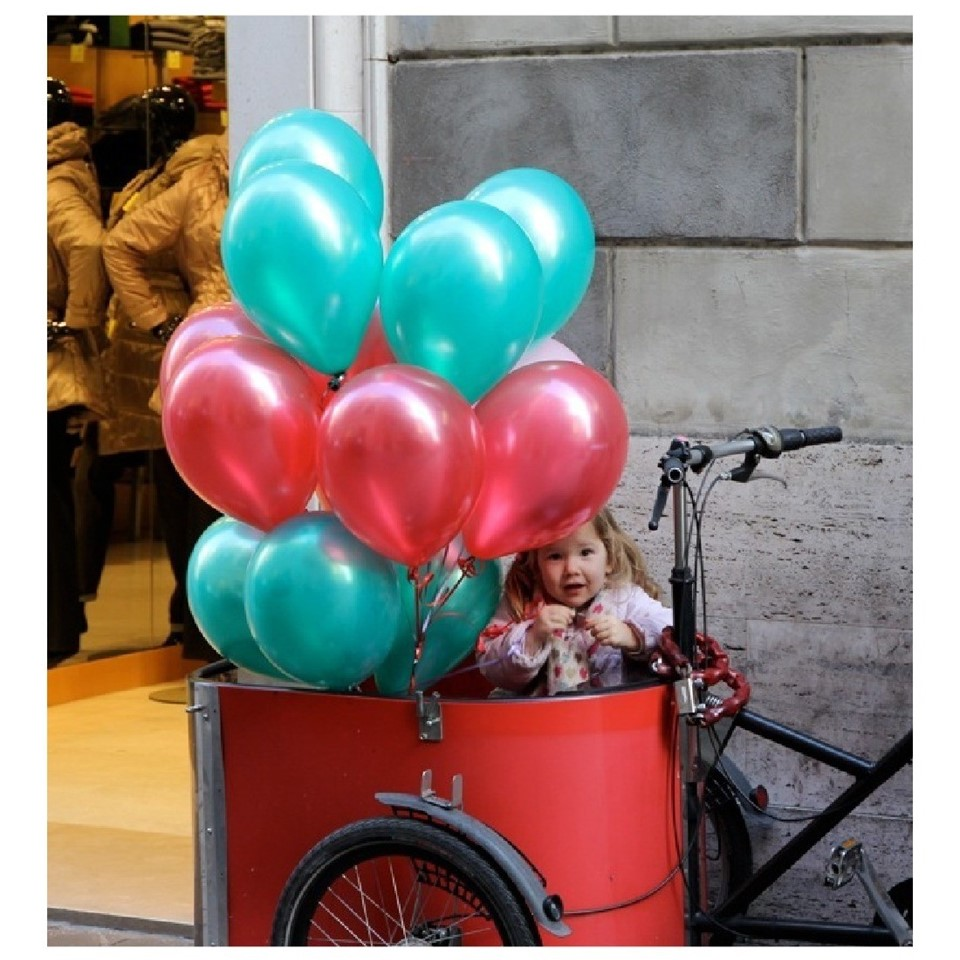 csm_nihola_Family_ladcykel_coveret_in_ballons_3a56fb93e4.jpg